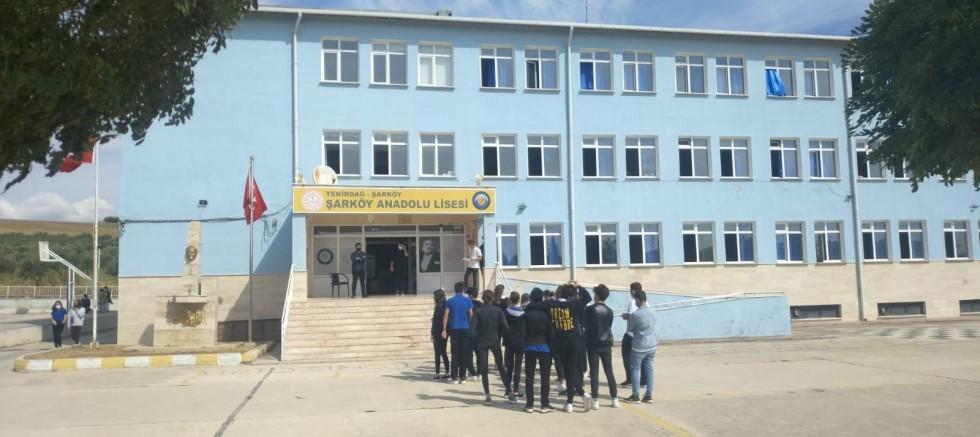 4 öğretmen ve 145 öğrenci karantinaya alındı