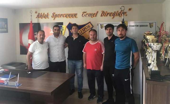 Kapaklıspor'un teknik ekibi belli oldu